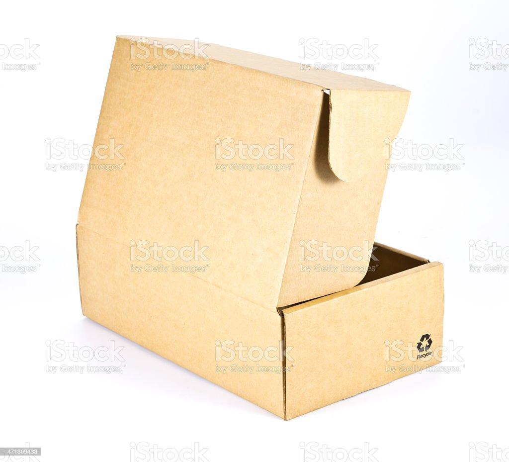 Scatola di cartone su sfondo bianco foto stock royalty-free