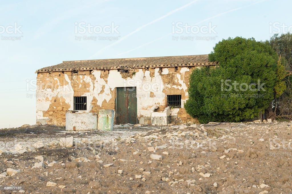 casa en ruinas stock photo