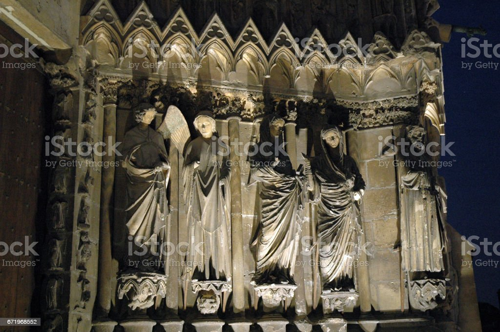 Kathedrale in Reims bei Nacht stock photo