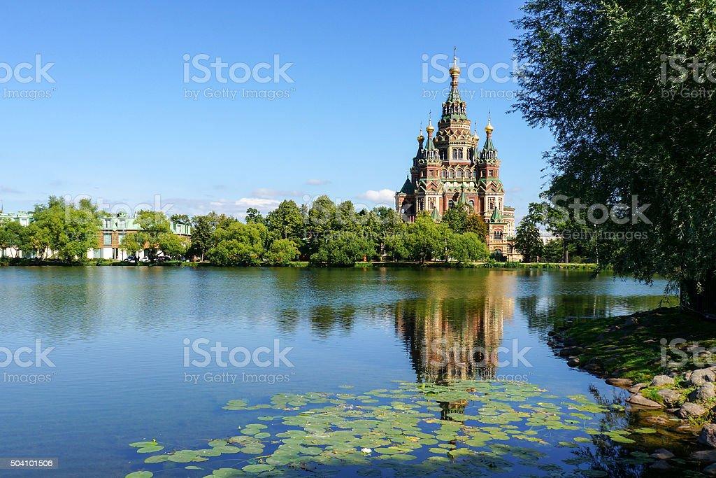 Catedral de Pedro e Paulo em santos Petergof Rússia foto de stock royalty-free