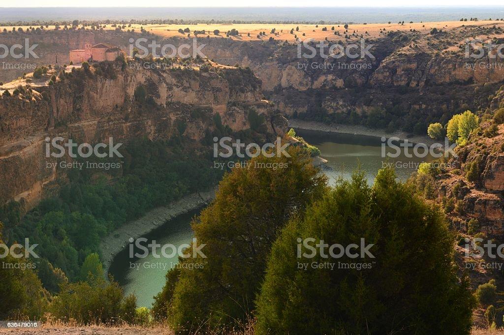 Chapel of San Frutos and natural park of river Duraton - foto de stock