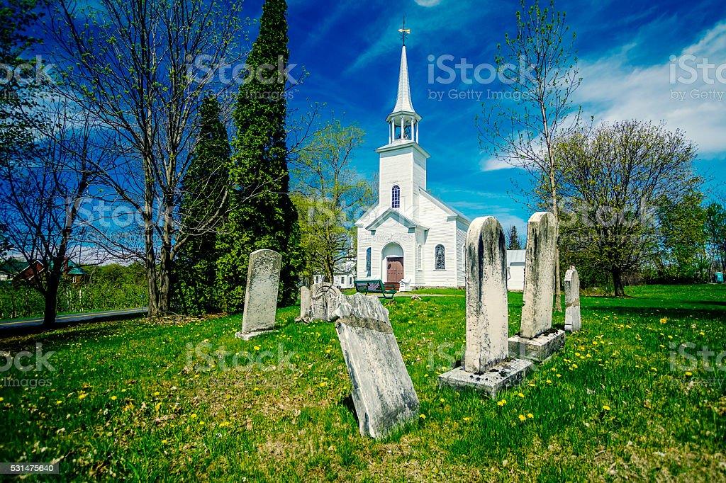 Chapelle et cimetière stock photo