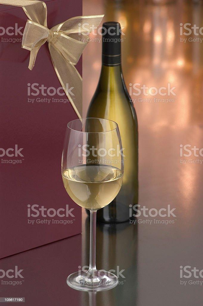 Regalo de vino chardonnay foto de stock libre de derechos