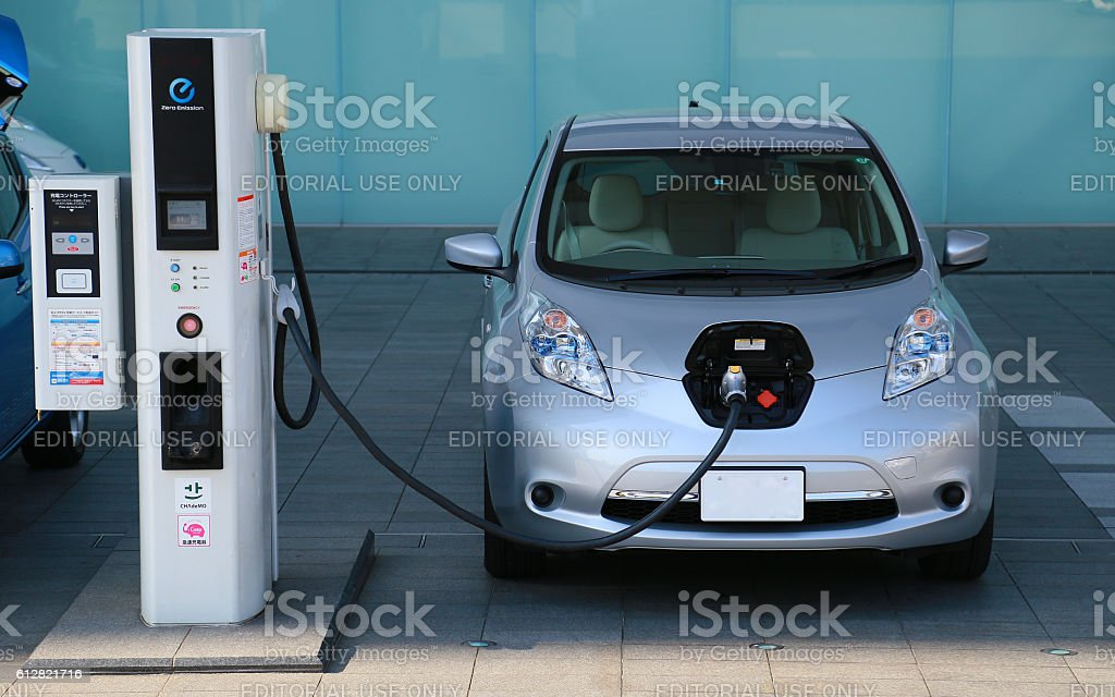 Charge scenery of the Japanese electric car foto de stock libre de derechos