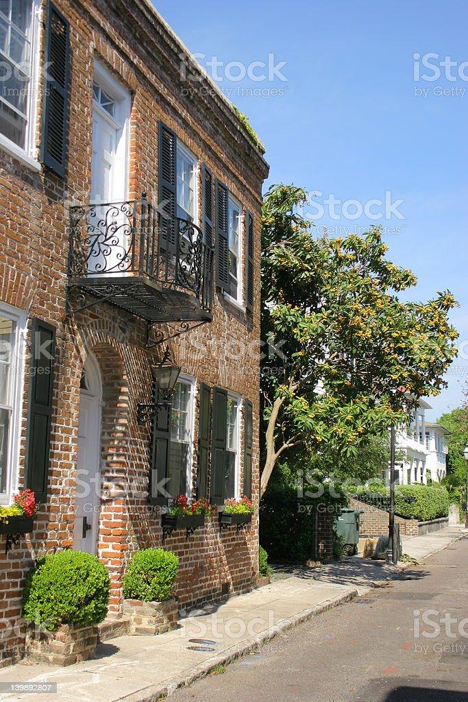 La calle lateral de Charleston foto de stock libre de derechos