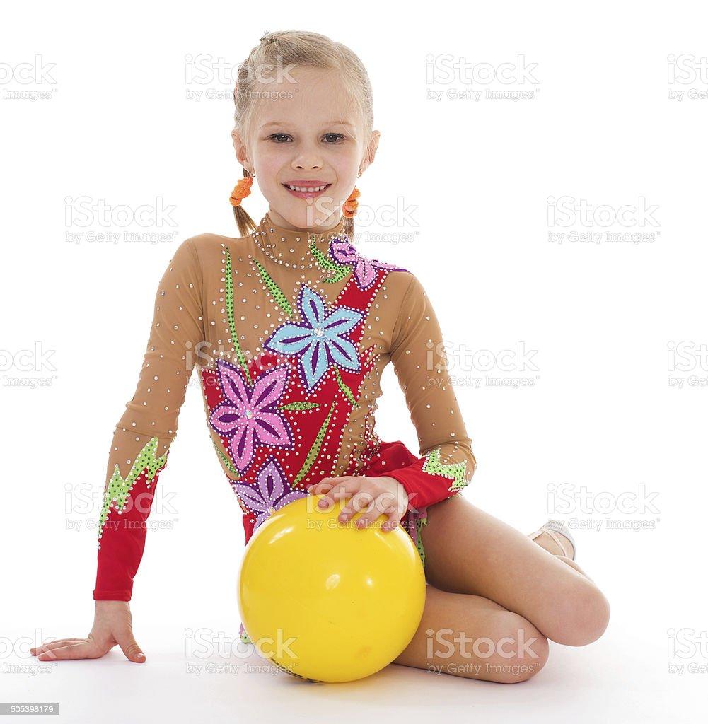 Charmante jeune femme gymnaste. photo libre de droits
