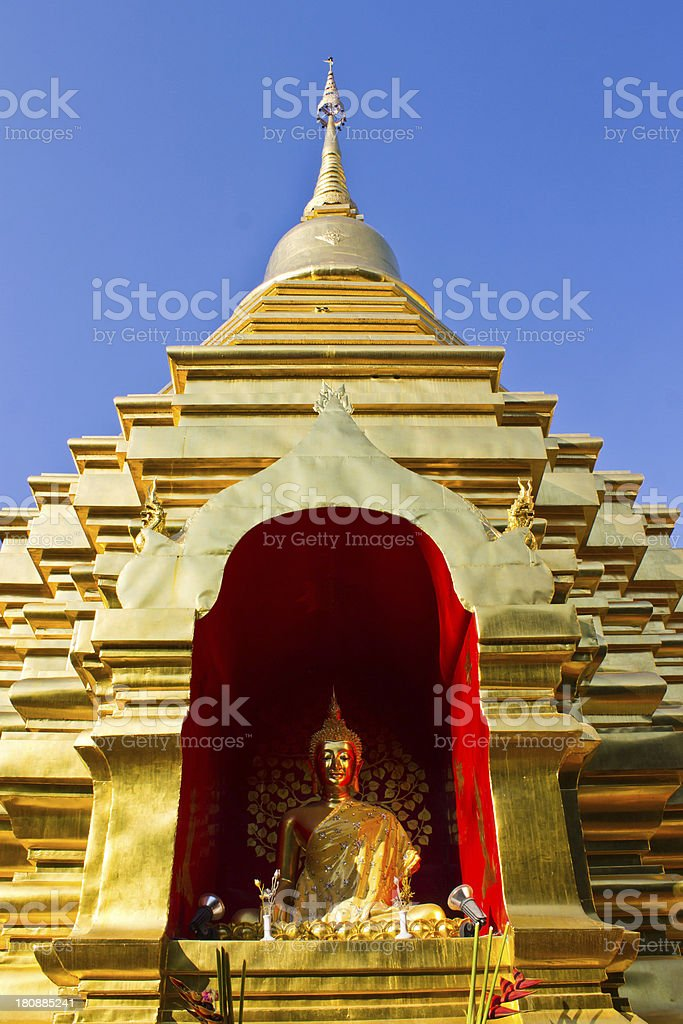 Chedi In Wat Pan Ohn Chiangmai royalty-free stock photo