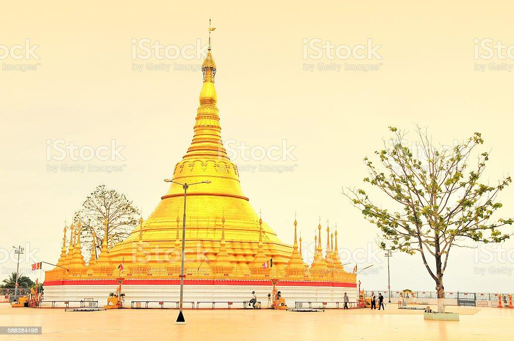 Chedi of Pathat Sueli Lacon, border town of Tachilek, Myanmar stock photo