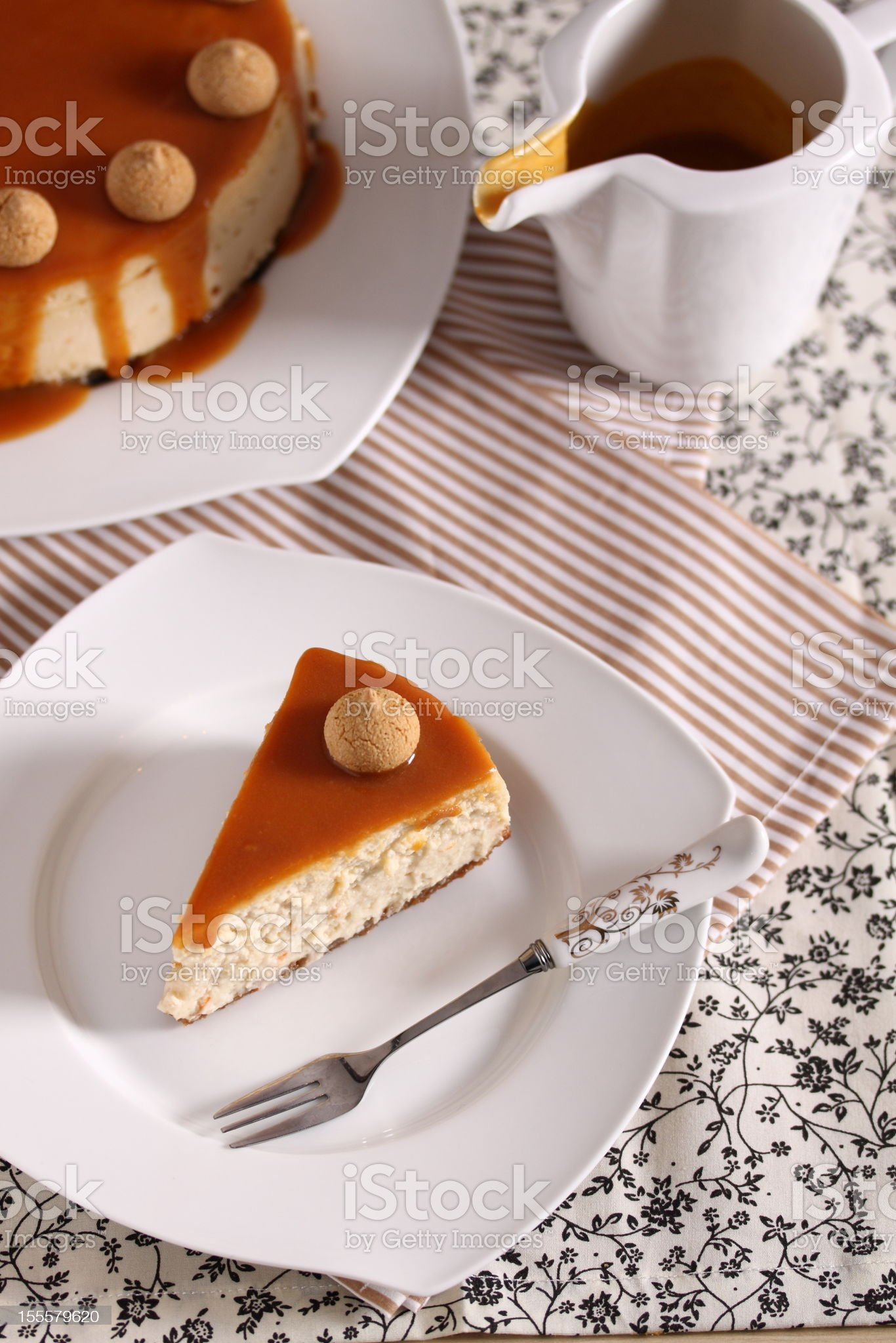 Cheesecake with caramel sauce royalty-free stock photo