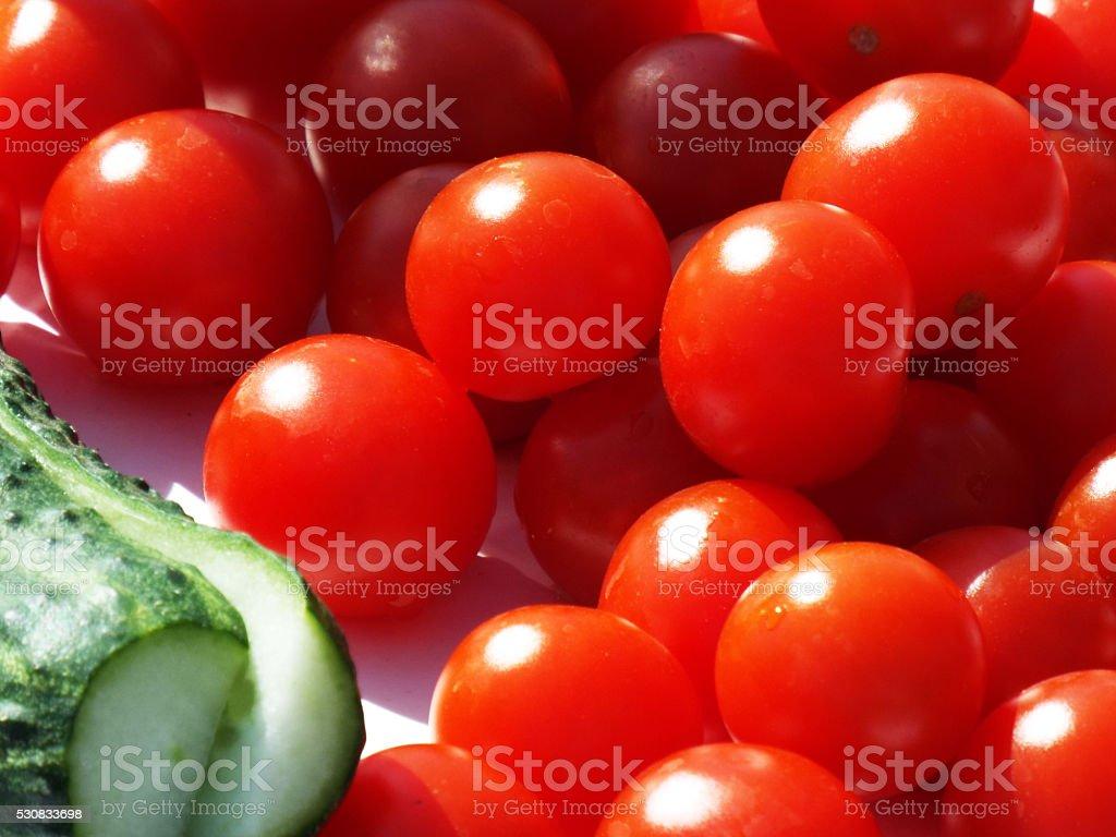 Cerisier tomates et concombre) photo libre de droits