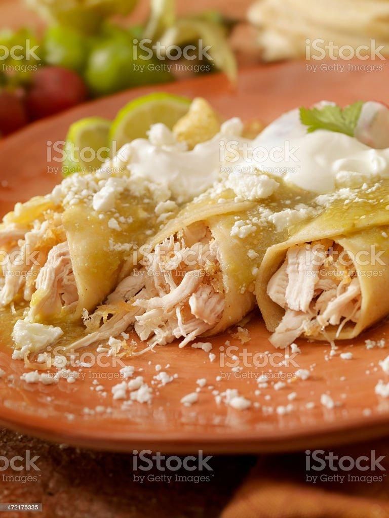 Enchiladas de pollo en salsa verde stock photo