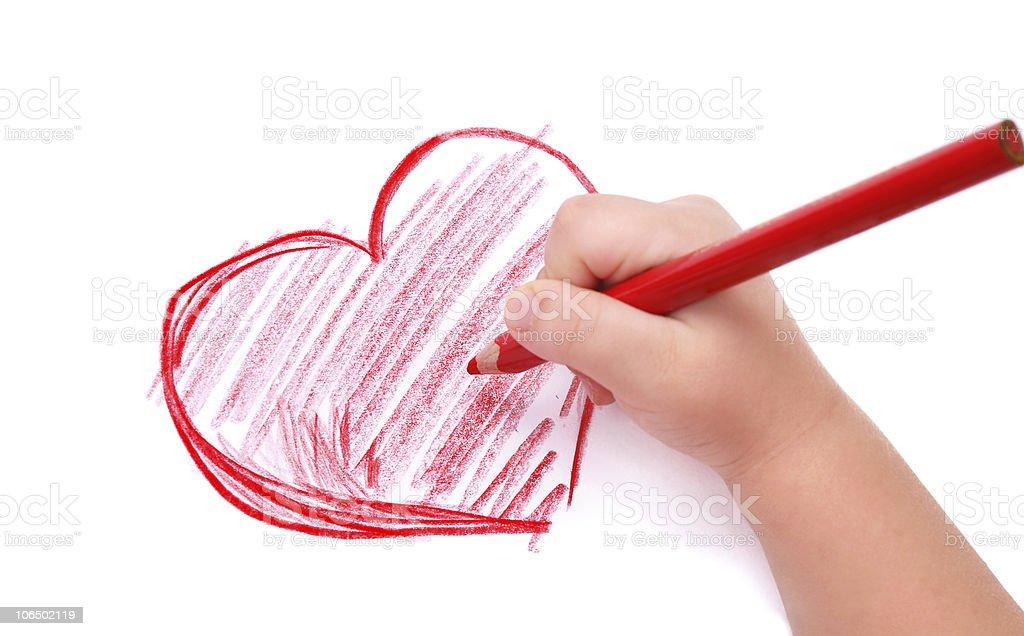 Ребенок рисует сердце