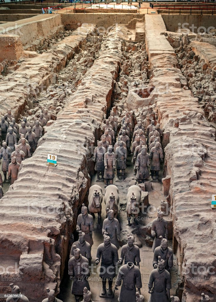 China, Xi'an. Clay figures of warriors, horses and chariots. stock photo
