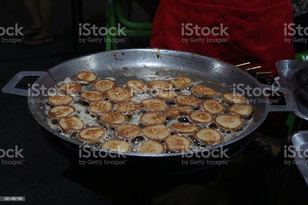 Китайский сыр муки, обжаренный на сковороде до кипения масла Стоковые фото Стоковая фотография