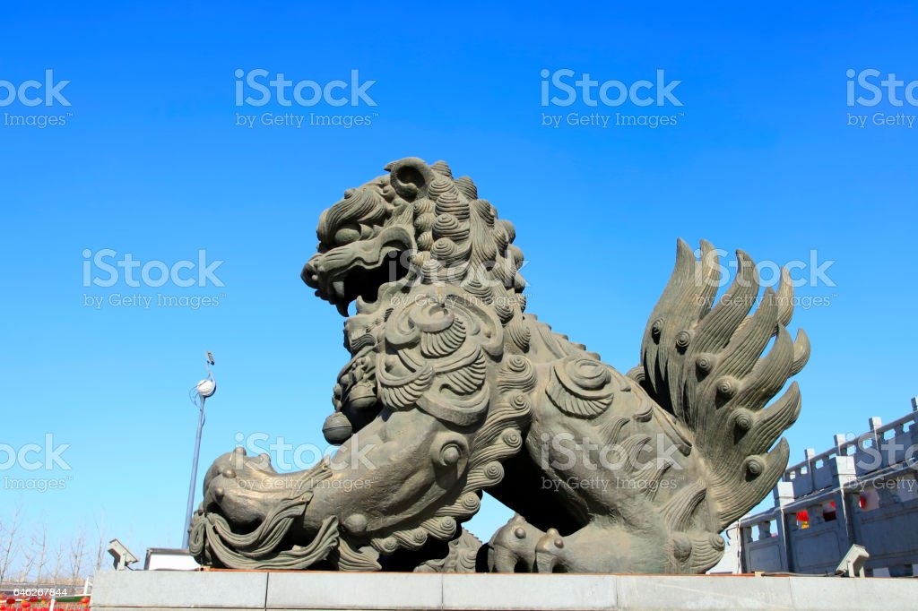 Chinese classical architecture and stone lions