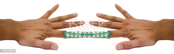 Как сделать китайская ловушку для пальцев