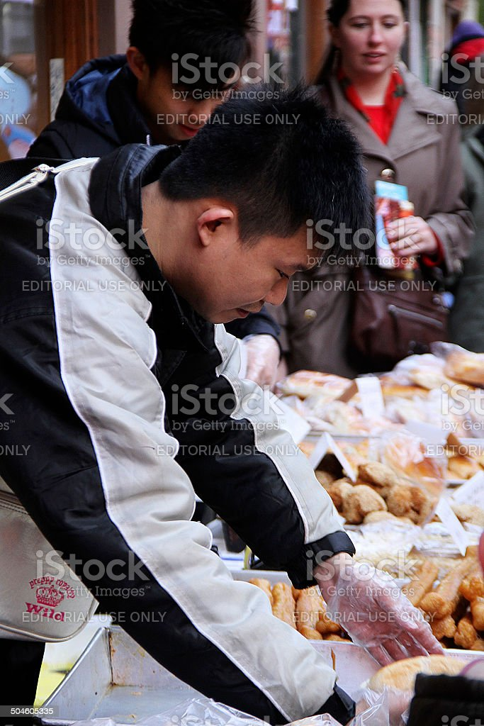 Cibo di strada cinese seller a Londra foto stock royalty-free