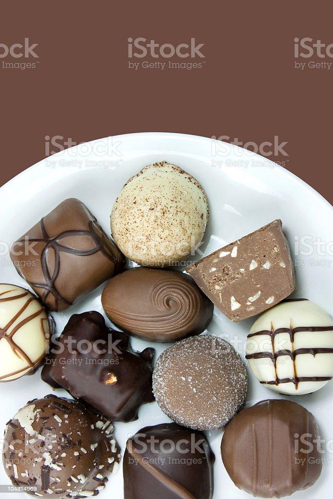 Schokoladentrüffel auf einer Platte Lizenzfreies stock-foto