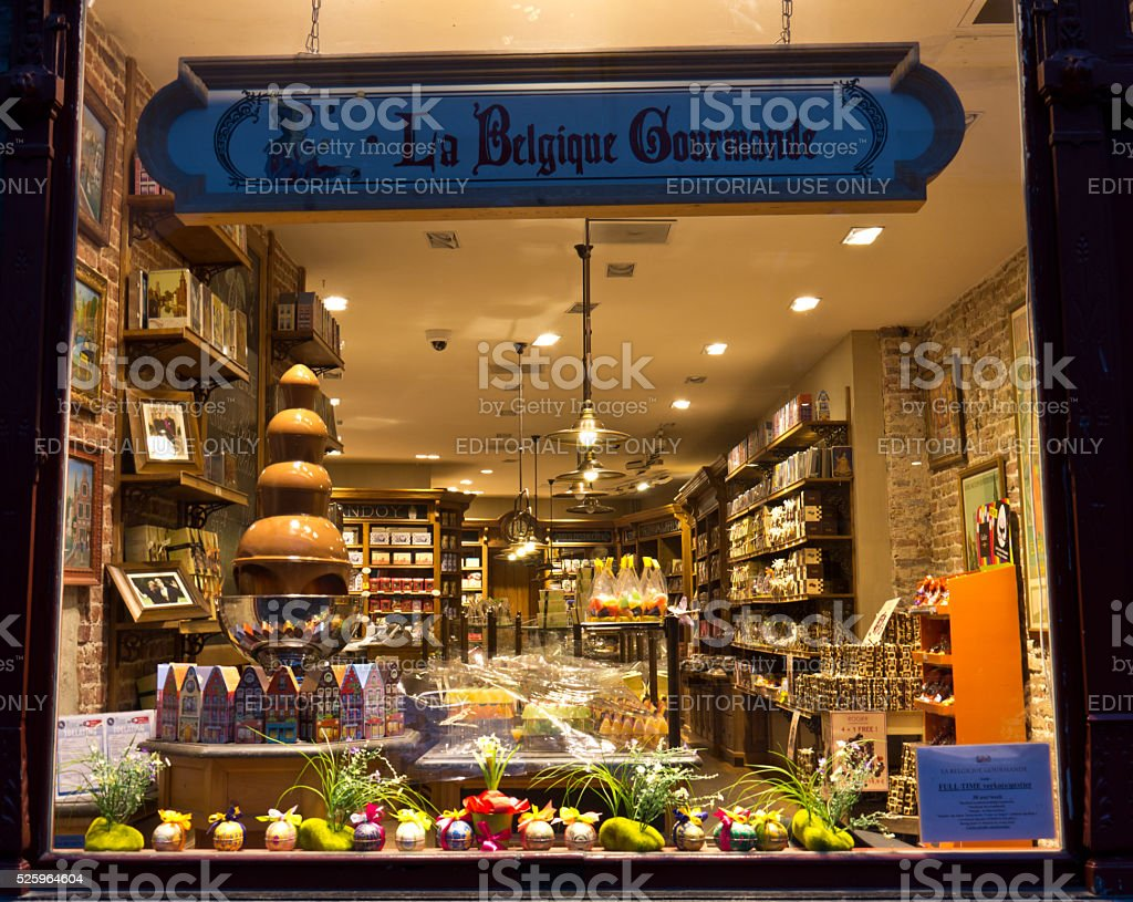 BRUGES / BELGIUM - April 13, 2014: Chocolatier storefront.  Belgia stock photo