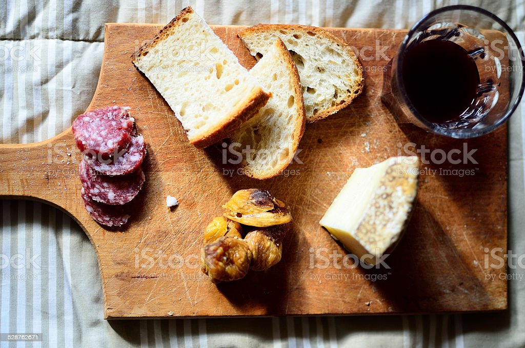 tagliere con salumi stock photo