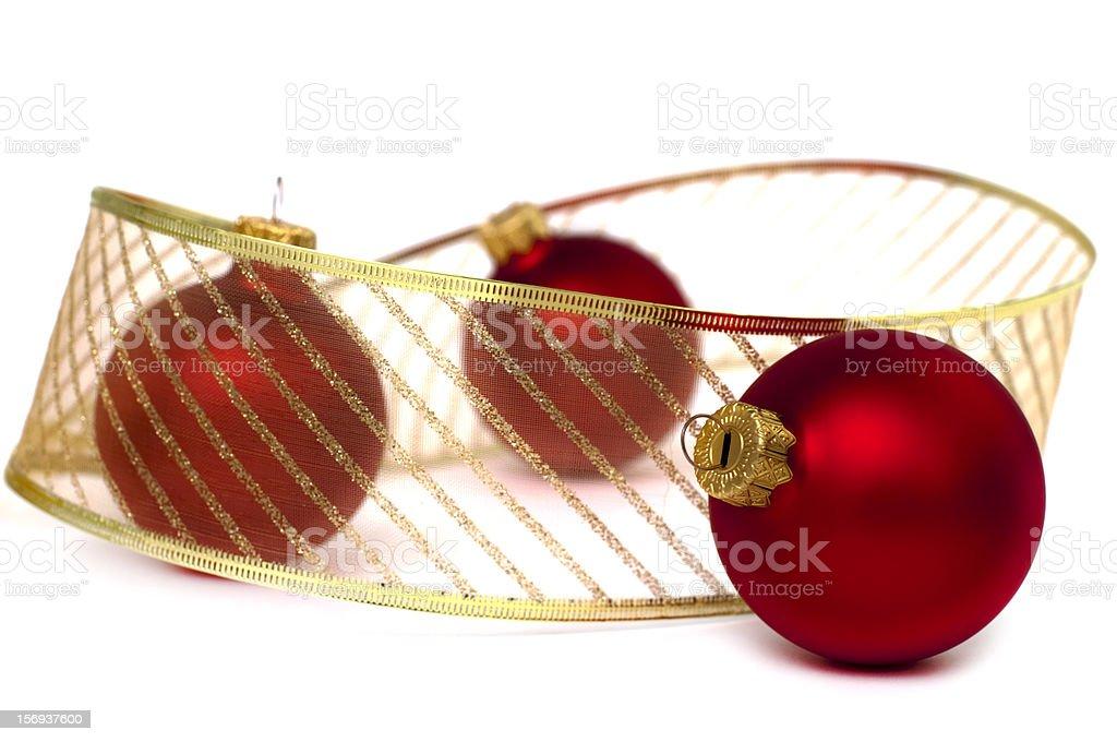 Boules de Noël avec ruban doré photo libre de droits