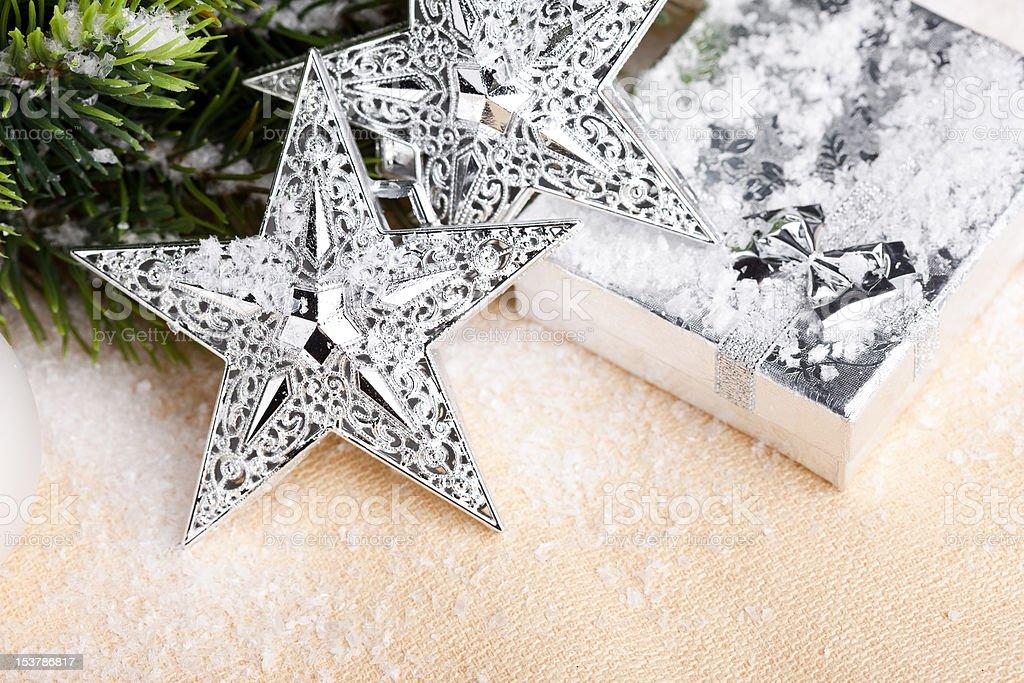 Decoração de Natal com uma caixa de oferta foto de stock royalty-free
