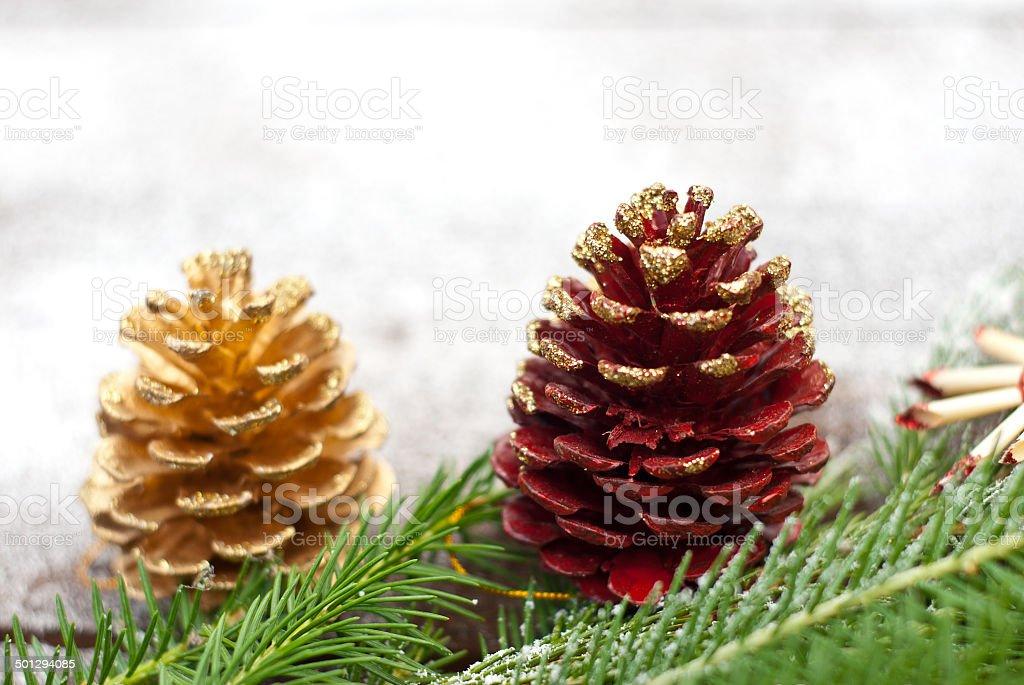Abeto de Navidad ramas y conos foto de stock libre de derechos