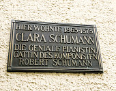 Clara Schumann has lived here memorial plaque