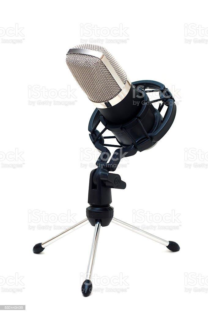 Clásico micrófono aislado sobre un fondo blanco foto de stock libre de derechos
