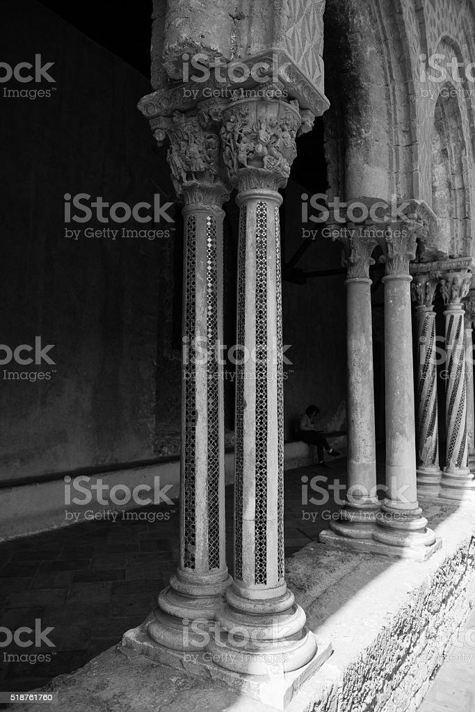 Chiostro del Duomo di Monreale, in Sicilia. 103° Colonna. S. stock photo