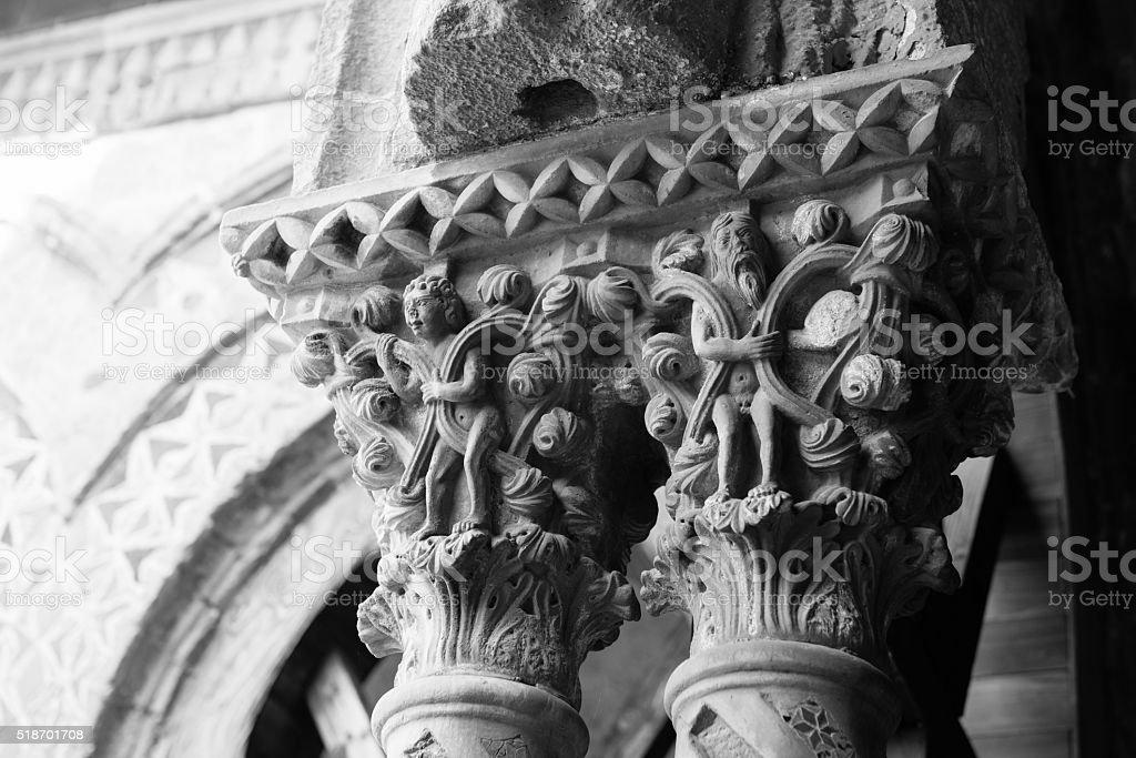 Chiostro del Duomo di Monreale, in Sicilia. 28° Capitello. S. stock photo