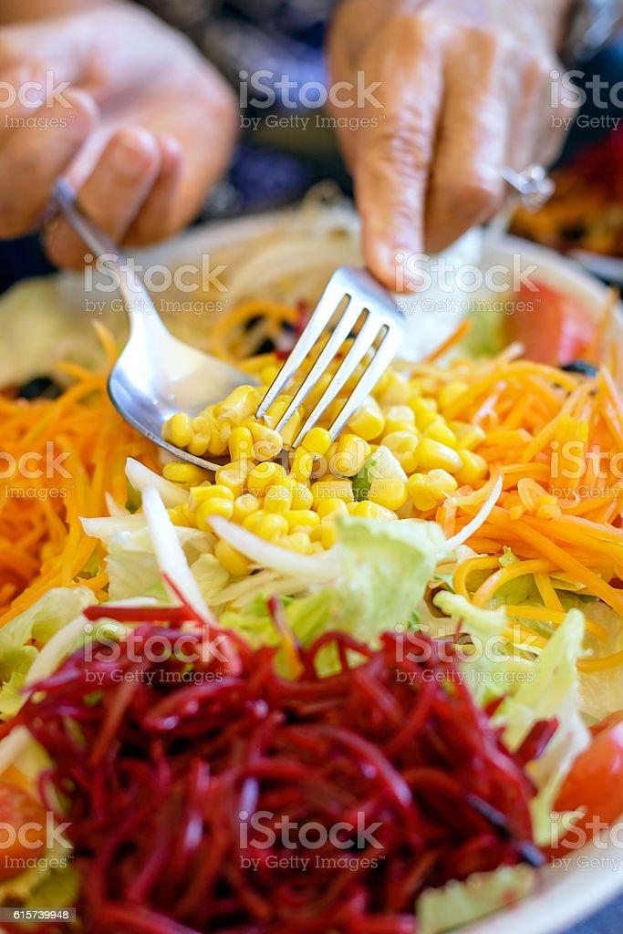 Close-up de salada de legumes frescos foto royalty-free