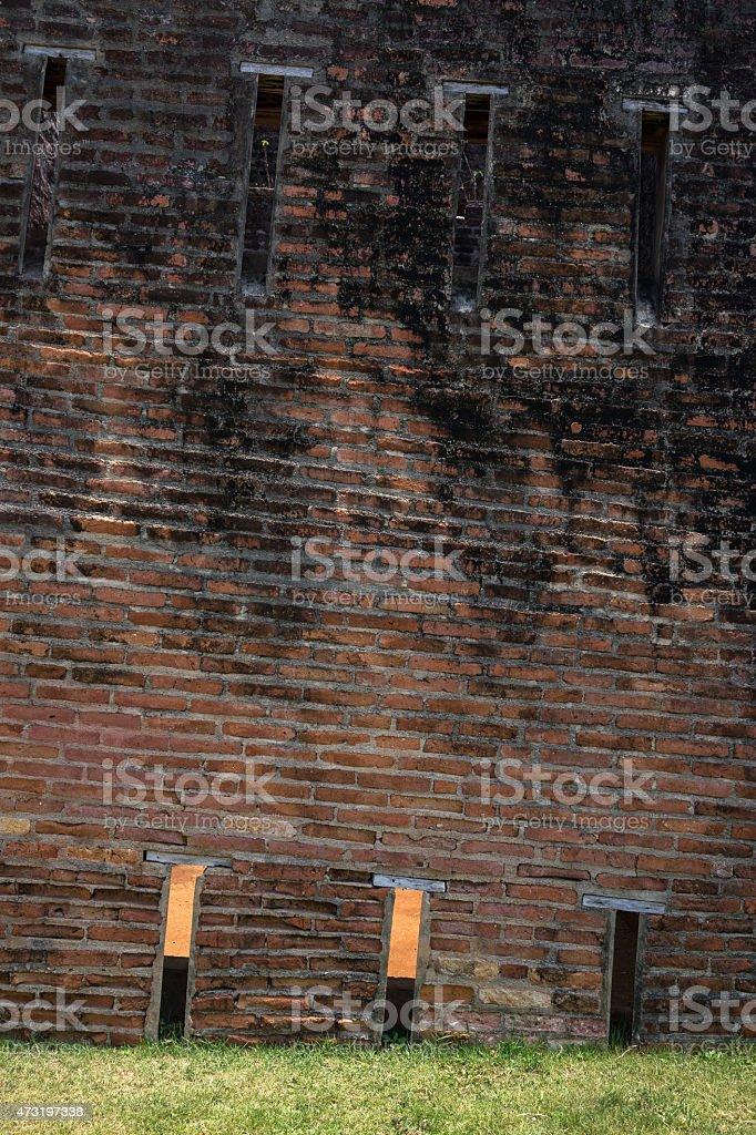 Gros plan de la tour de brique tendance photo libre de droits