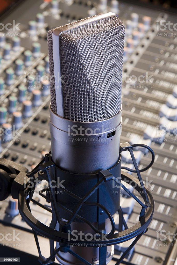 Крупный план профессиональной студии Микрофон Стоковые фото Стоковая фотография