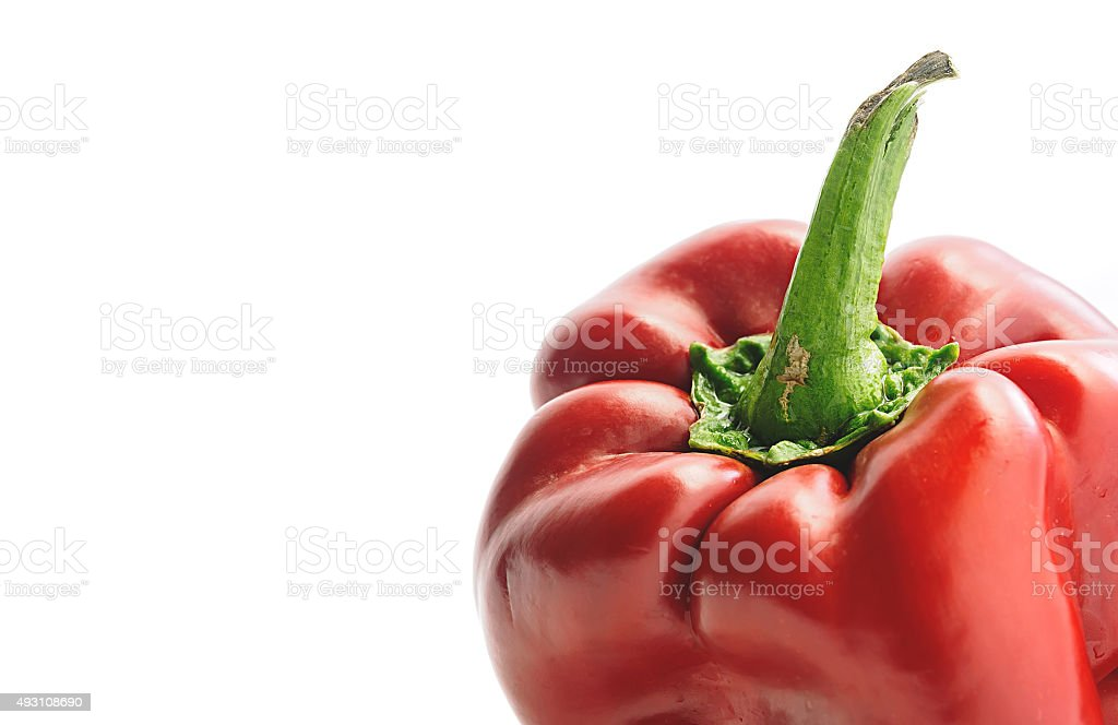 Close-up de pimenta vermelha sobre fundo branco foto royalty-free