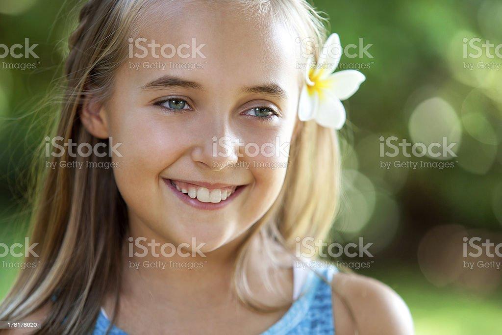 Gros plan portrait de jolie teen fille. photo libre de droits