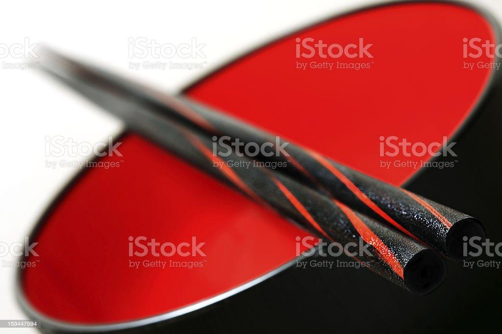 Nahaufnahme von Stäbchen auf einer Schüssel Lizenzfreies stock-foto