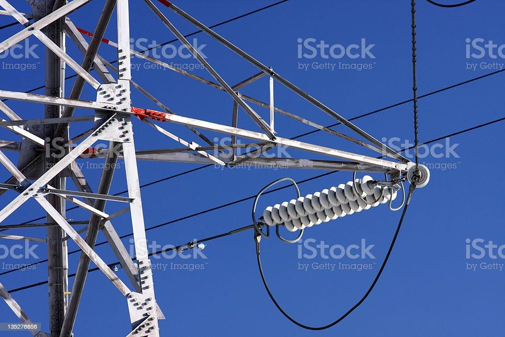 Nahaufnahme der power lines Bei blauem Himmel Lizenzfreies stock-foto