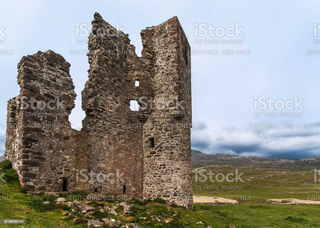 Closeup of wall of Castle Ardvreck ruins, Scotland. stock photo