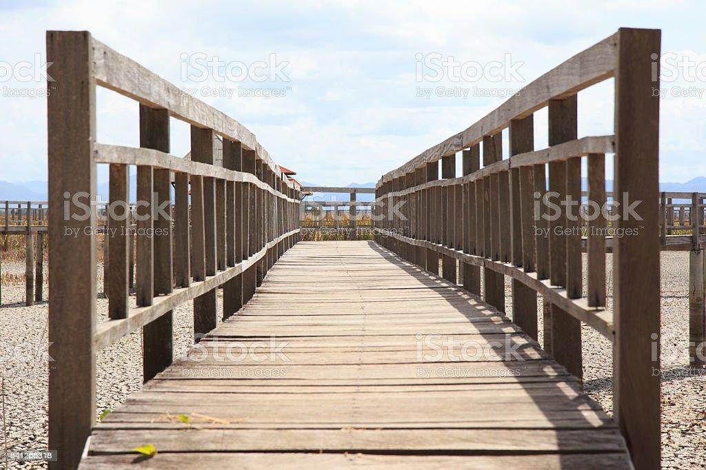 closeup wooden railing bridge Стоковые фото Стоковая фотография
