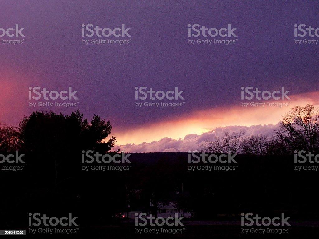 Nuages et le soleil couchant photo libre de droits