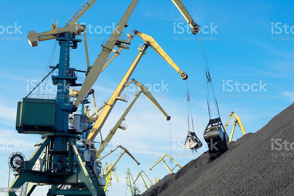 Coal, Portal cranes, clamshel stock photo