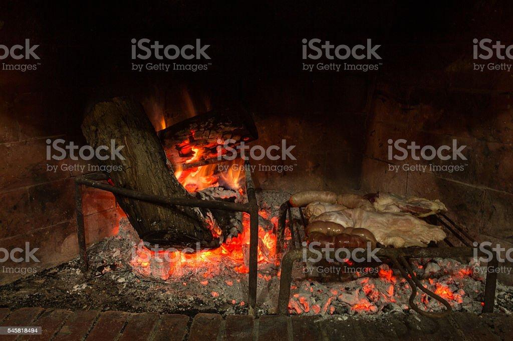 cocinando carne asada stock photo