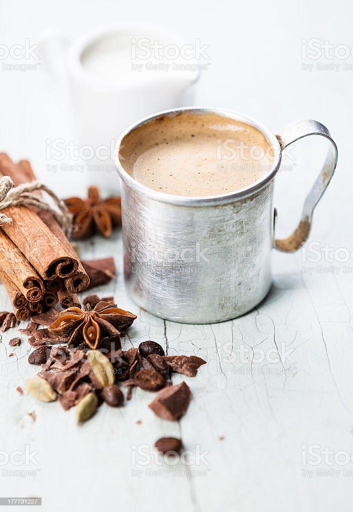 Kaffee mit Gewürzen – Foto