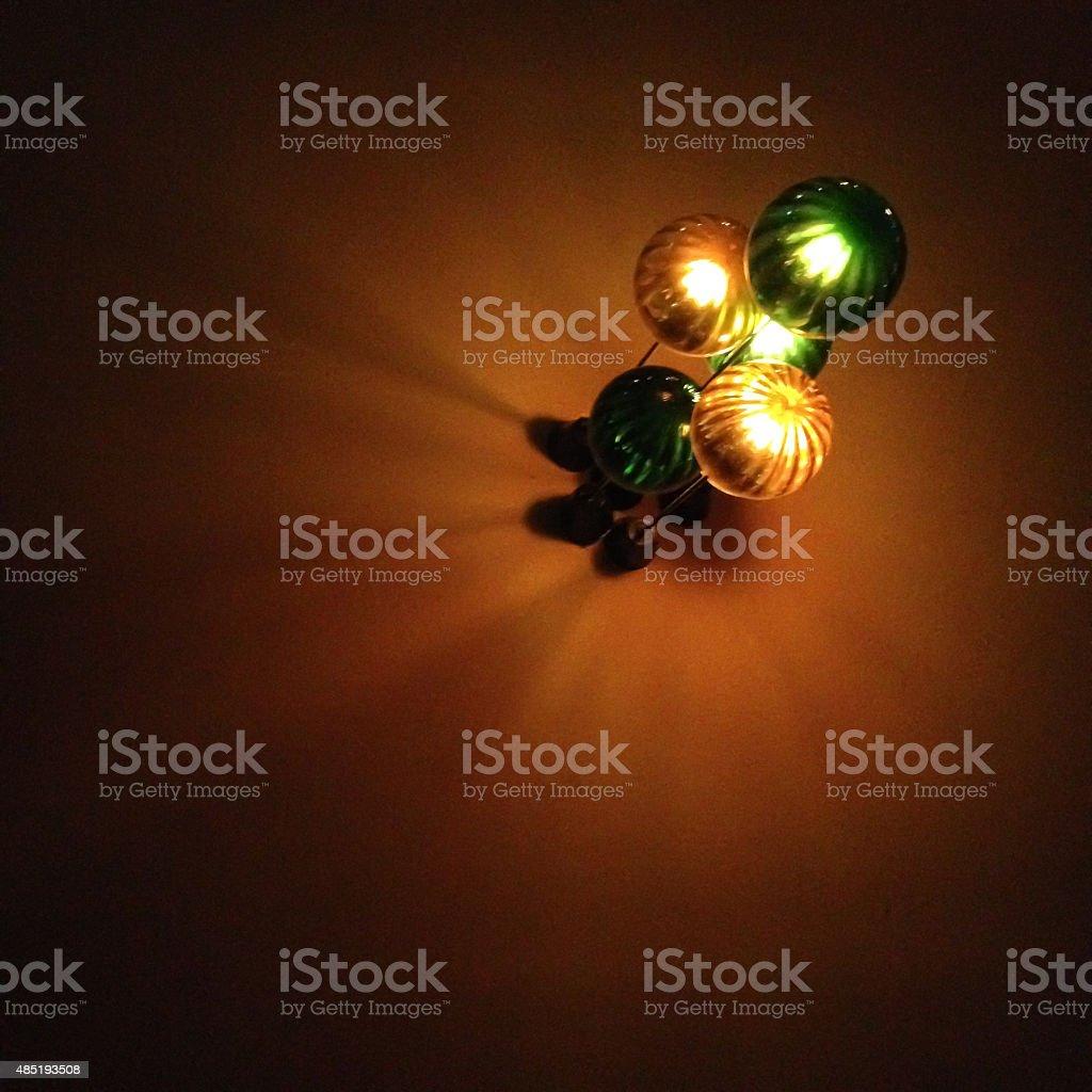 Цвет освещения лампа с лампочки оборудование на стене Стоковые фото Стоковая фотография