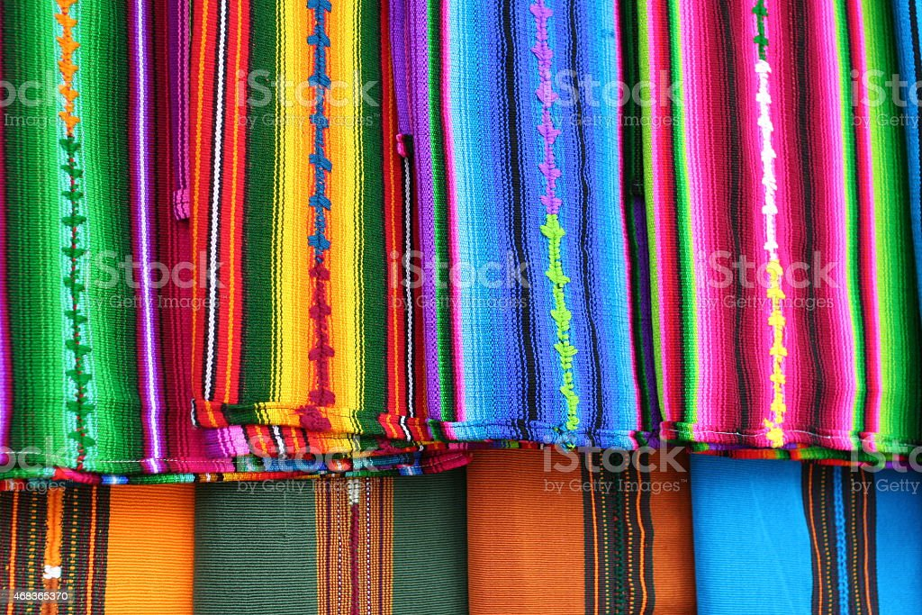 Красочные Гватемала Майя текстиль в Антигуа рынок Стоковые фото Стоковая фотография