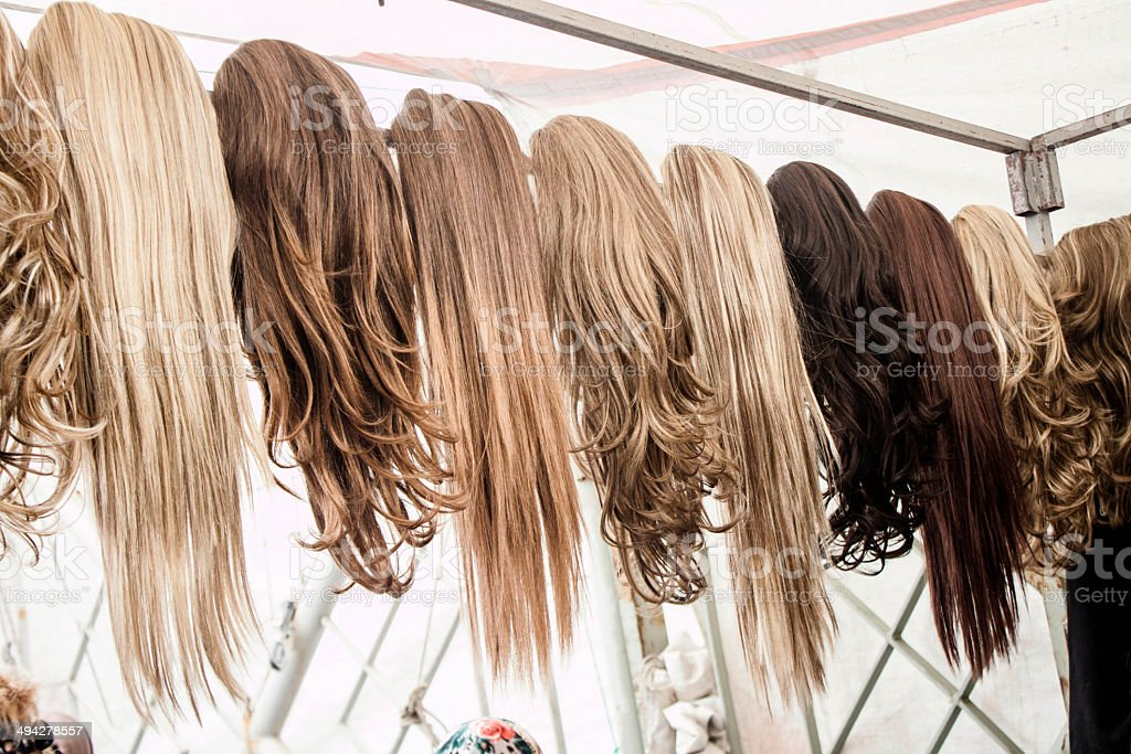 Colorful hair pieces and wings, straight and wavy hair for sale in...