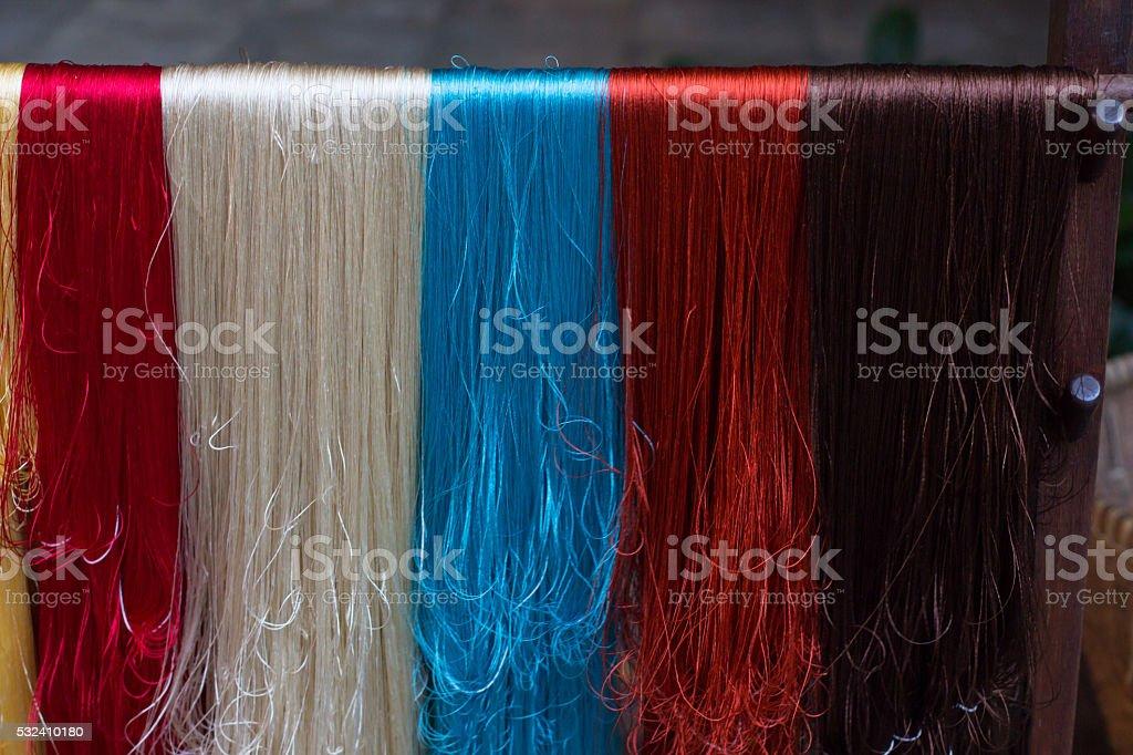 Красочный фон с завязками из шелка и хлопка Стоковые фото Стоковая фотография