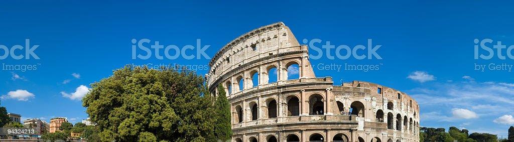 Colosseo Roma panorama Italia stock photo
