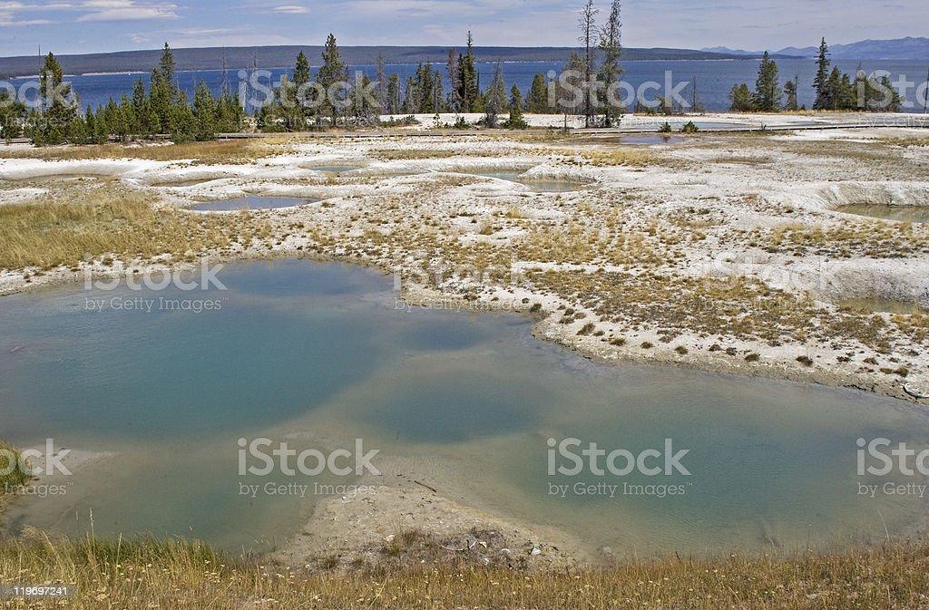 Des créatifs en un lieu géothermique de Yellowstone photo libre de droits
